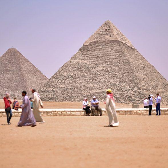 Die TUM Alumni geht 2021 nach Kairo. Dort werden unter anderem die Pyramiden von Gizeh mit der TUM Alumni Reisegruppe besichtigt.