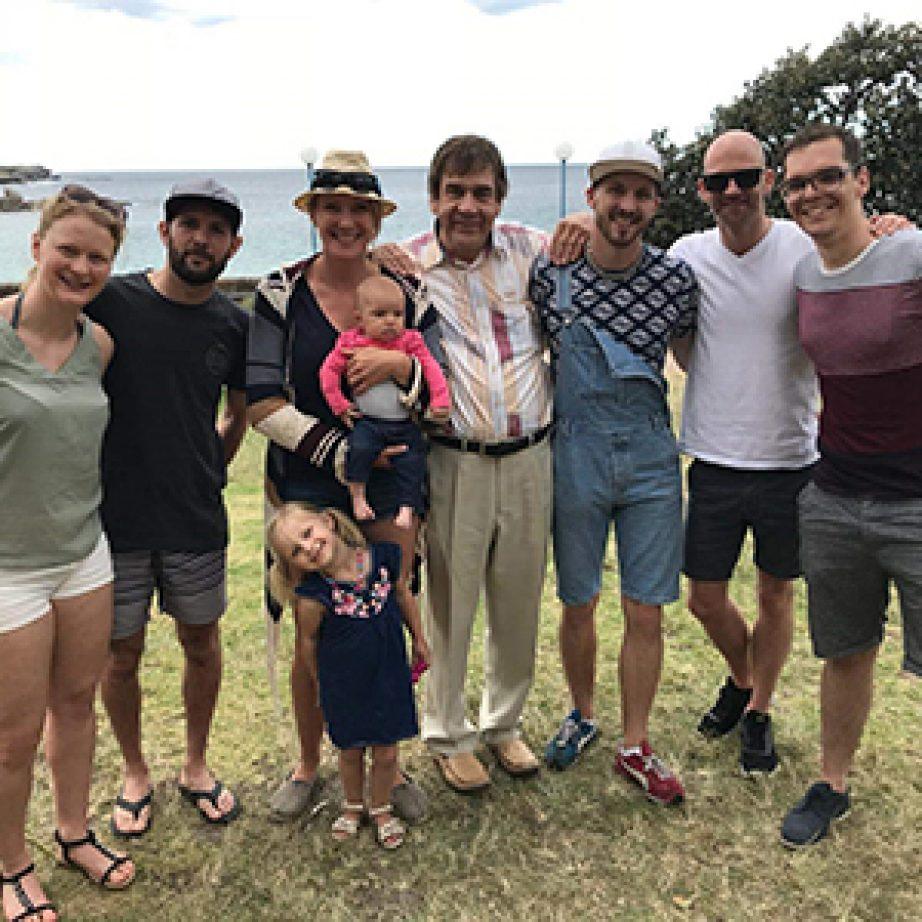 Gruppenfoto mehrerer Alumni in Sydney.
