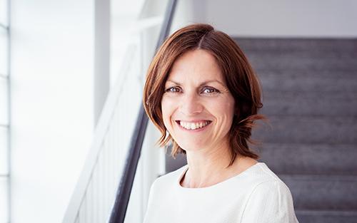 Porträtaufnahme von Verena Schmöller.