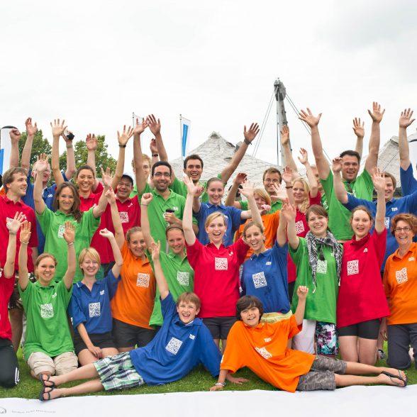 TUM Mentoring Team beim Drachenbootrennen am Olympiasee