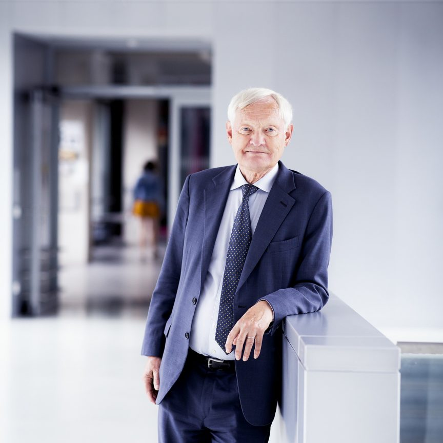 Portrait picture of TUM Alumni Joachim Frank.