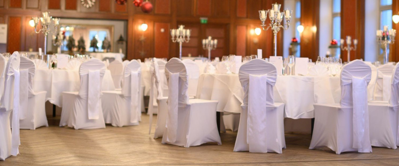 Festlich gedeckte Tische für das President´s Alumni Dinner
