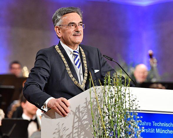 TUM-Präsident Wolfgang A. Herrmann bei seiner Festrede zum Festakt der TUM im Herkulessaal der Residenz in München.