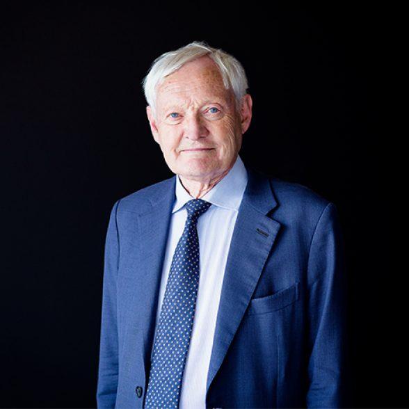 Portrait picture of Joachim Frank.