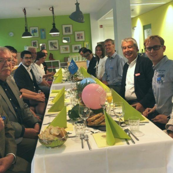 TUM Alumni having a dinner in Munich