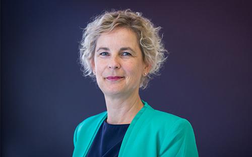 Portrait of TUM Alumna Weissenberger-Eibl.