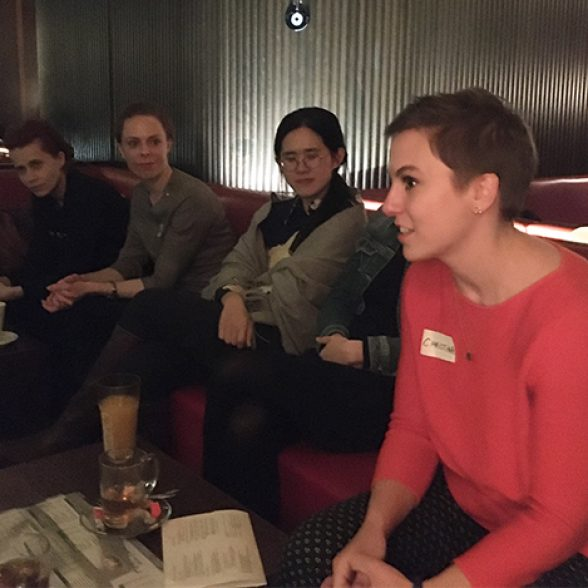 Women networking with one another at the Women of TUM Afterwork event.
