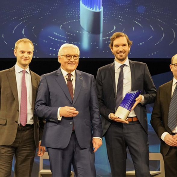 TUM Alumni Bastian Nominacher, Martin Klenk and Alexander Rinke from Celonis, which was award with Deutscher Zukunftspreis in 2019. Technical University Munich.
