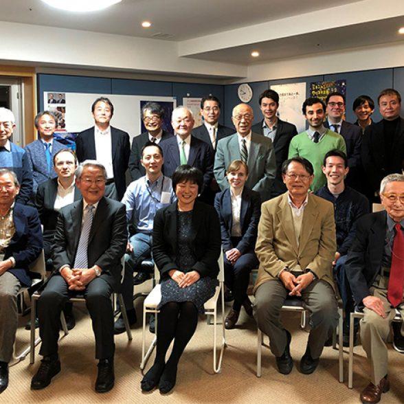 groupfoto of TUM Alumni in japan.