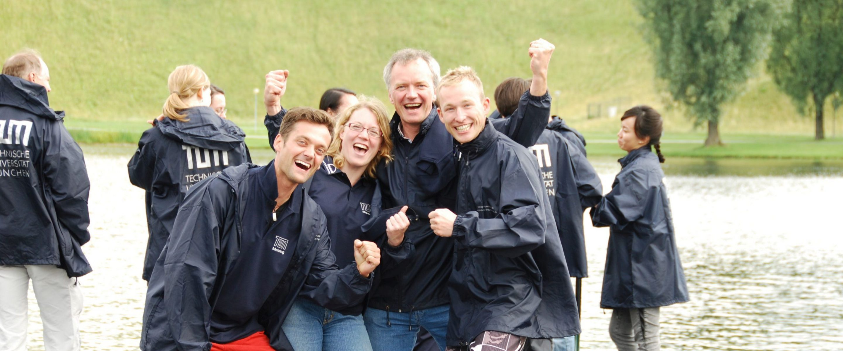 TUM Mentoring Team at the Dragon boat race
