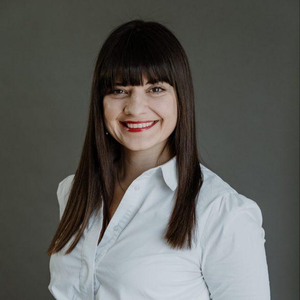 Dr. Tina Ruseva
